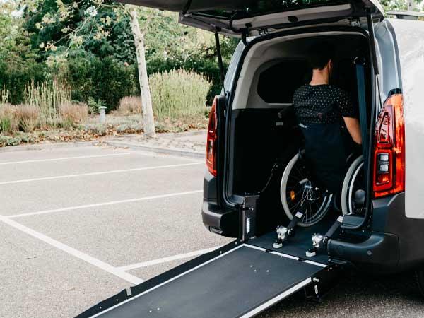 Trasporto-disabili-in-carrozzina-modena